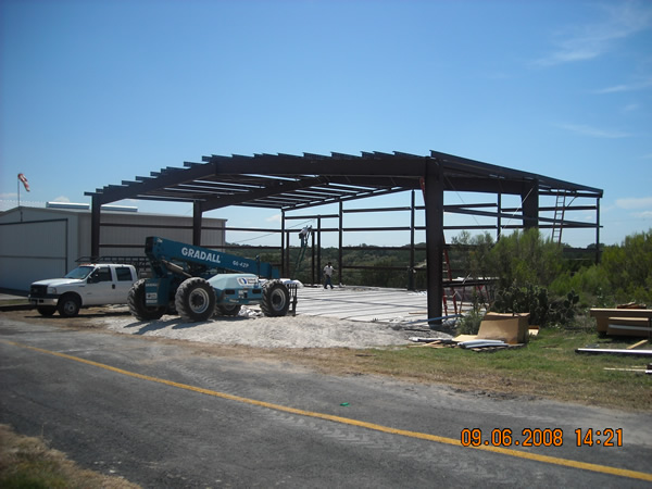 Lago Vista, TX Aircraft Hangar Erection and installation